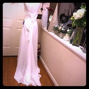 JJ'S House Ivory Lace Up Back Wedding Gown NWT